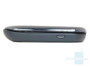 Left side - Motorola MOTO U9 Preview