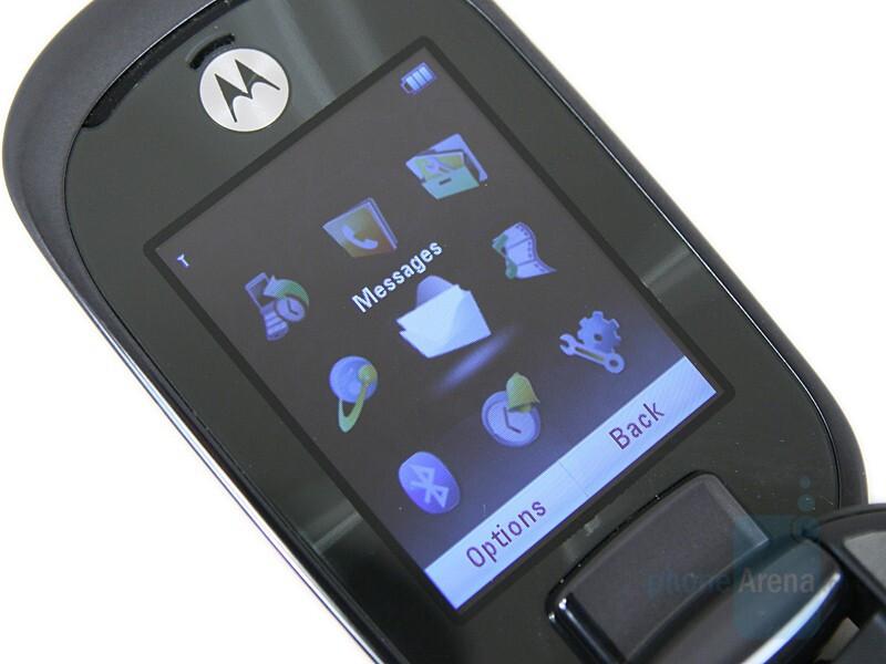 2 inch QVGA display - Motorola MOTO U9 Preview