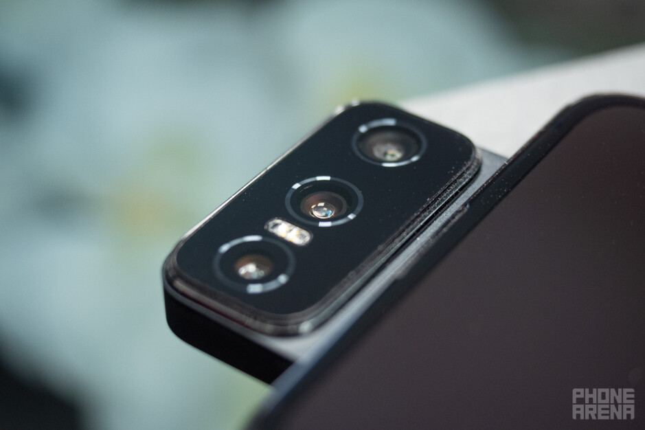 Asus Zenfone 8 Flip review: The persistent one
