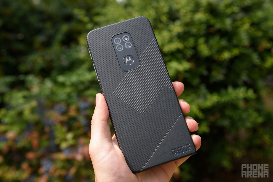 Motorola Defy (2021) review: no case required