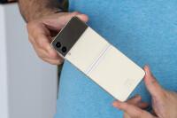 Samsung-Galaxy-Z-Flip-3-Review003