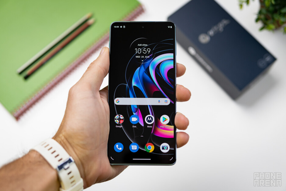 Motorola Edge 20 Pro Review: focusing on what's important