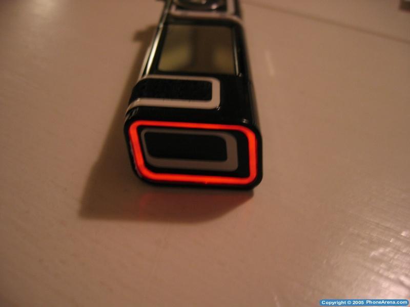 Nokia 7280 review - Design | 800 x 600 jpeg 24kB