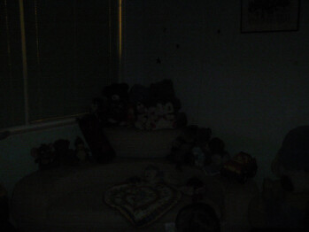 Low light - 11,5 ft (3,5 meters) - Indoor images - Samsung SGH-G800 Preview