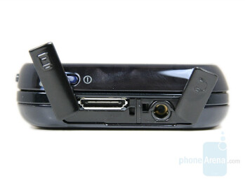 Connectors - Samsung SGH-F700 Preview