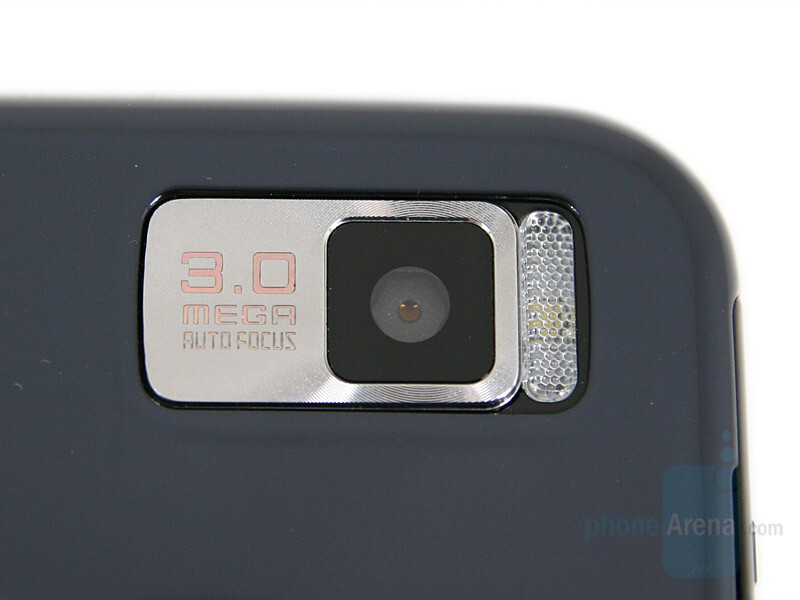 3MP camera and LED flash - Samsung SGH-F700 Preview