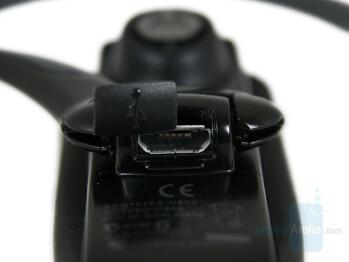 micro-USB - Motorola H800 Review