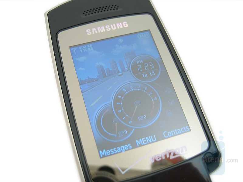 Internal display - Samsung Gleam Review