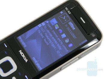 2.4 inch display - Nokia N81 8GB Review