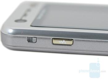 Walkman button - Sony Ericsson W890 Preview