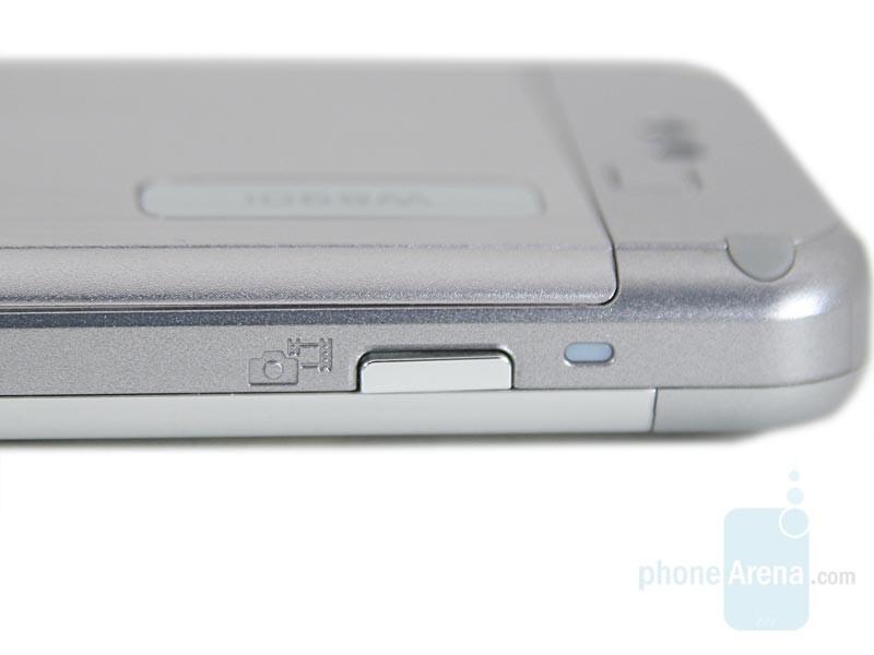 Camera button - Sony Ericsson W890 Preview