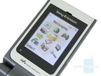 TFT Display - Sony Ericsson W380 Preview