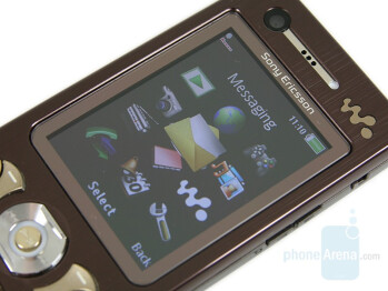 2 inch display - Sony Ericsson W890 Review