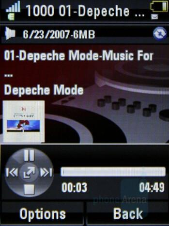 Now playing - Music player - Motorola MOTO U9 Review