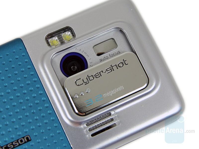 Camera - Sony Ericsson C702 Preview