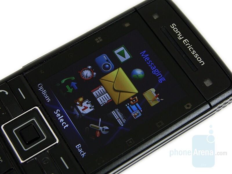 2.0'' TFT Display - Sony Ericsson C902 Preview