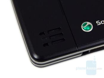 Loudspeaker - Sony Ericsson C902 Preview