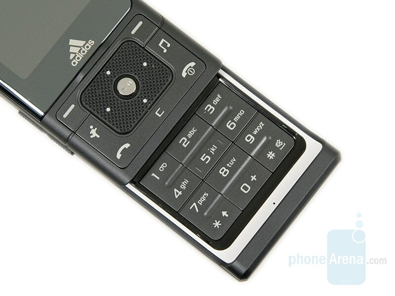Keypad and D-pad - Samsung miCoach Review