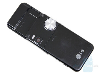Back - LG KF700 Preview