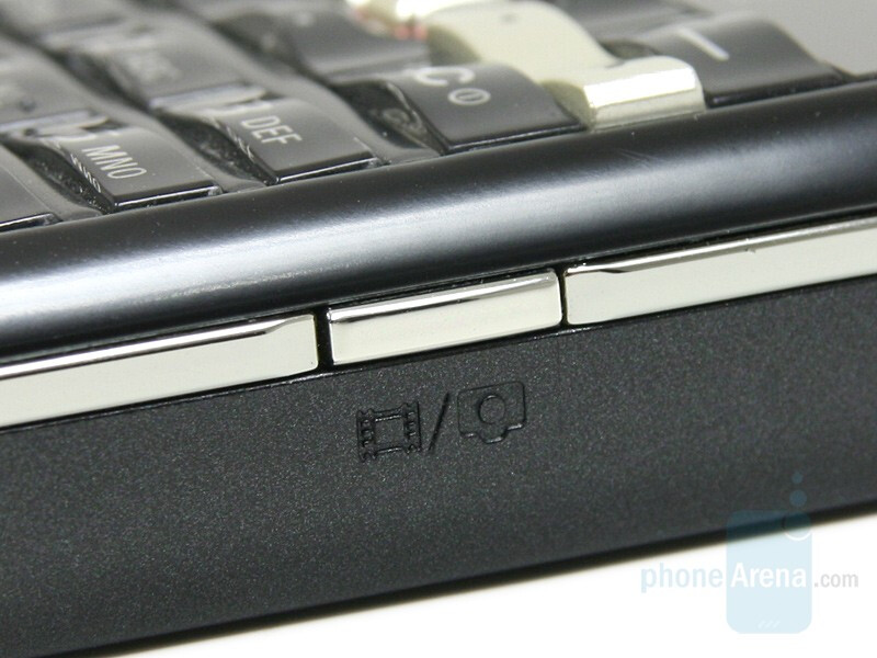 Camera Button - Sony Ericsson G502 Review