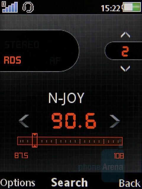 FM Radio - Sony Ericsson W980 Preview