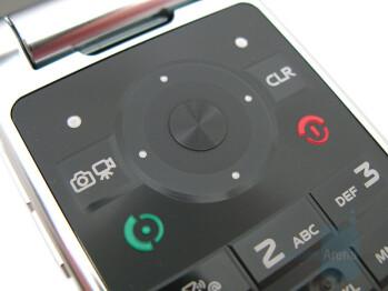 D-pad - Motorola W755 Review