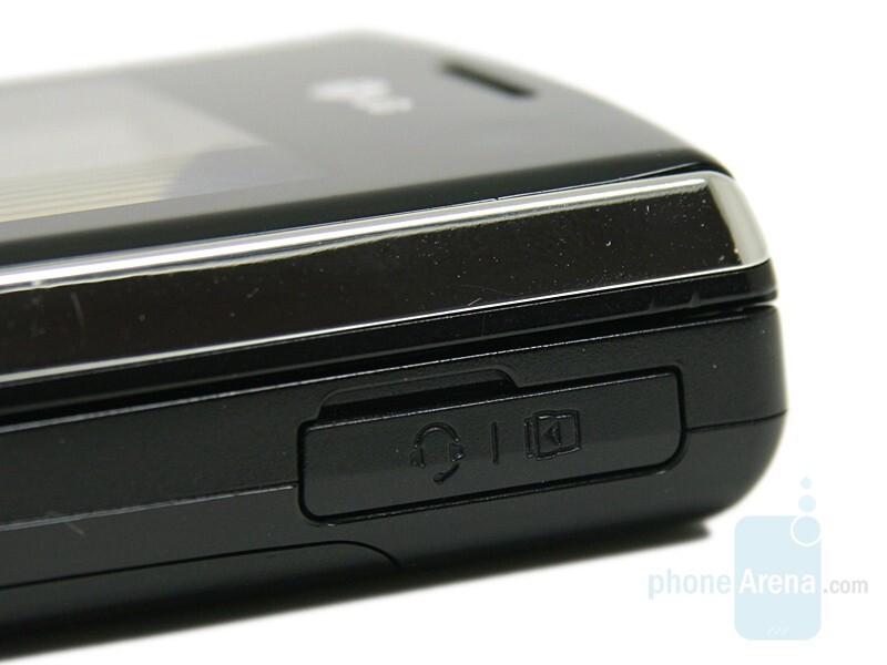 Universal Port - LG KF310 Review