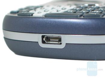 Bottom - Palm Treo 800w Review