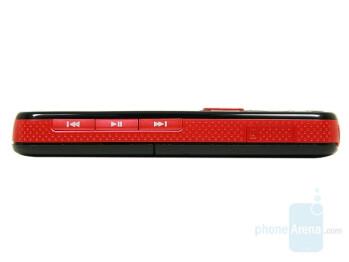 Left - Nokia 5320 XpressMusic Review