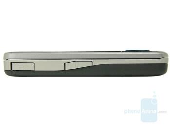 Left - Nokia 6210 Navigator Review