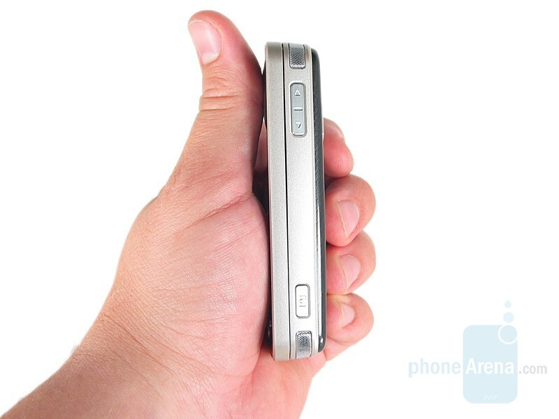 Right Side - Nokia N96 Review