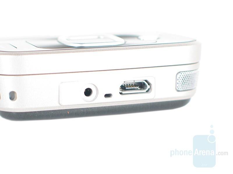 Bottom - Nokia N96 Review