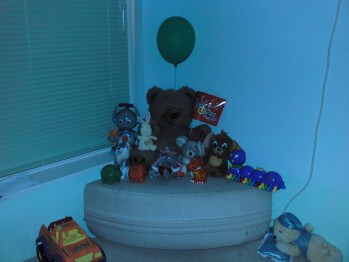 2m/6.5feet - Low Light - Indoor Samples with Flash - LG Renoir Review