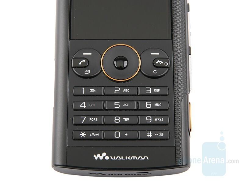 Sony Ericsson W902 Review