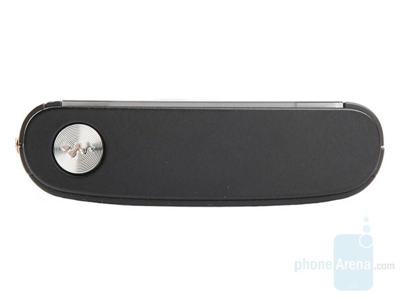 Top - Sony Ericsson W902 Review