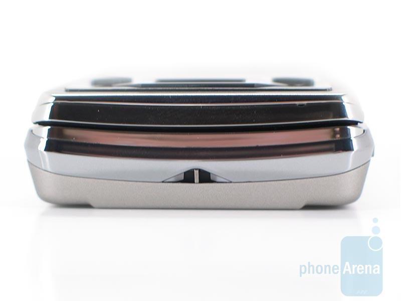 Bottom - Sony Ericsson Xperia X1 Review