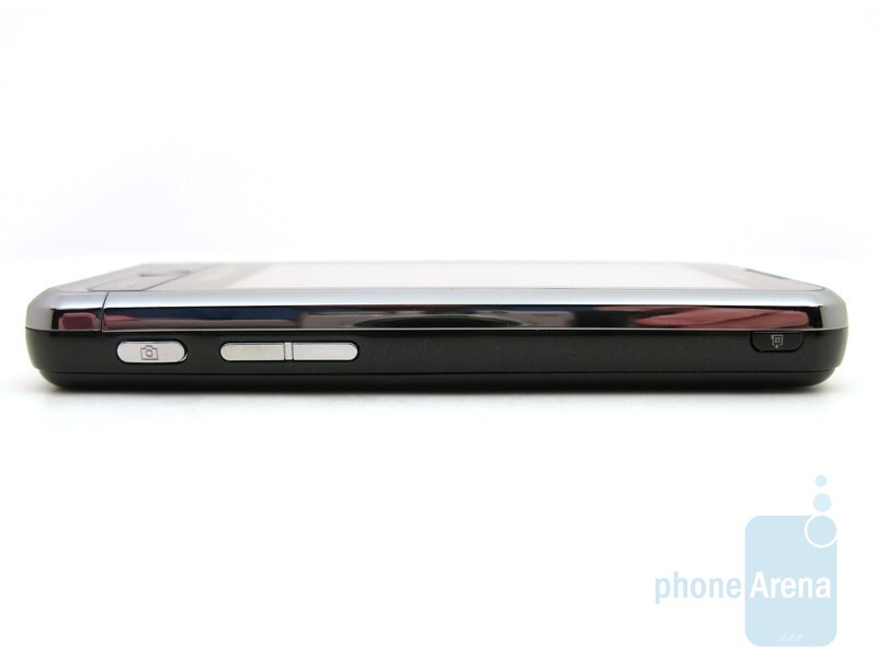 Right - Samsung Omnia CDMA Review