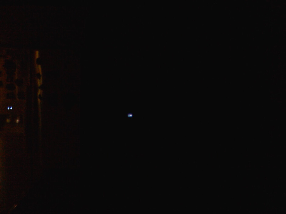 Darkness - Flash OFF - LG Versa - Indoor images - LG Versa Review
