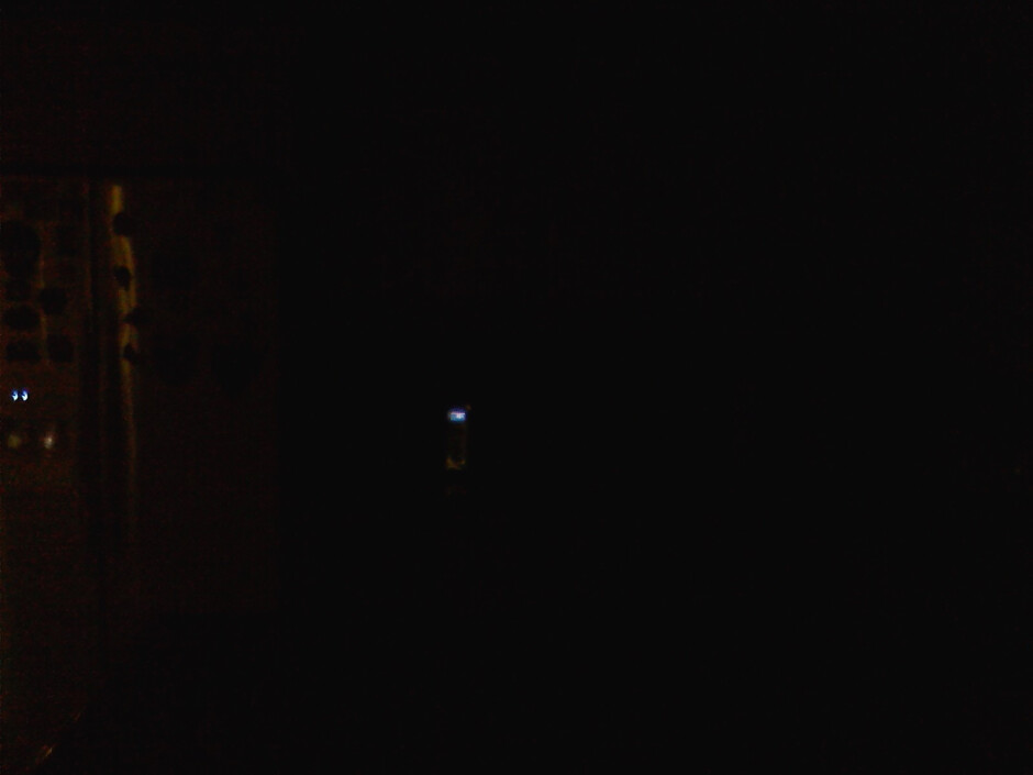 Darkness - Flash ON - LG Versa - Indoor images - LG Versa Review