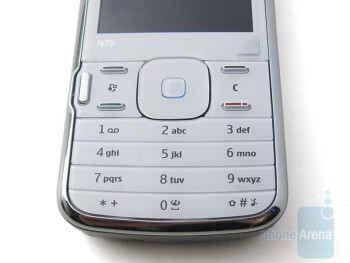 Flat numerical keypad - Nokia N79 Review