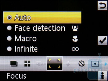 Camera interface - Sony Ericsson W995 Preview