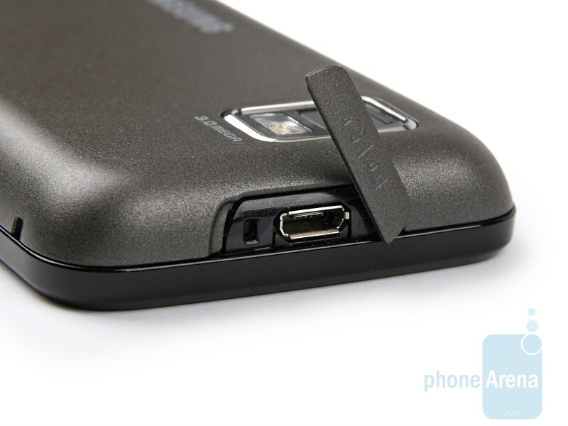 microUSB port - Samsung S5600 Preview