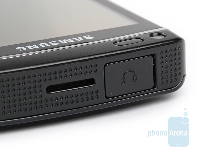 upper side - Samsung OMNIA HD Preview