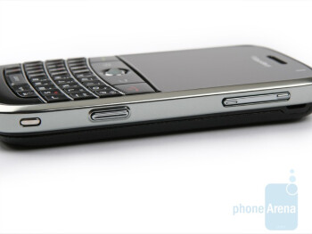 rigth side - BlackBerry Bold Review