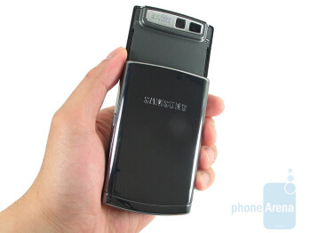 Samsung Propel Pro i627 uses chrome color and reflective plastic all around its body - Samsung Propel Pro i627 Review