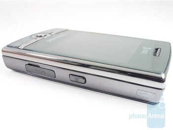 The side buttons of Samsung Propel Pro i627 - Samsung Propel Pro i627 Review