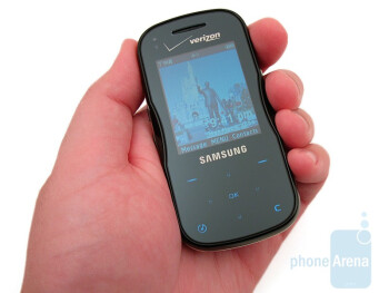 The Samsung Trance U490 is pretty small and is available in two color options - Samsung Trance U490 Review