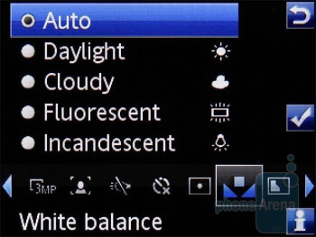 Camera interface - Sony Ericsson C702 Review