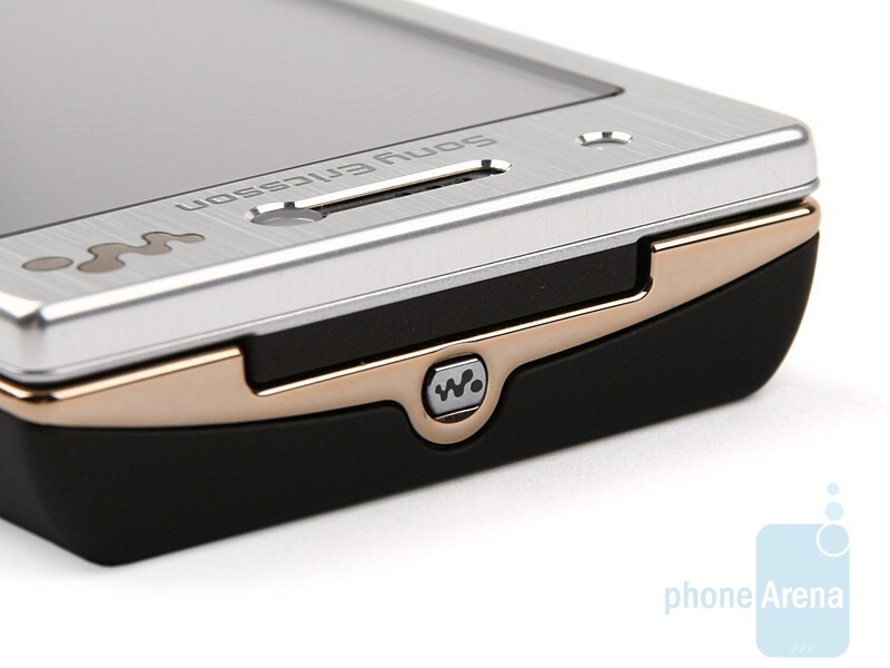 Top - Sony Ericsson W705 Review