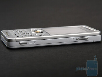 Right - Sony Ericsson W302 Review